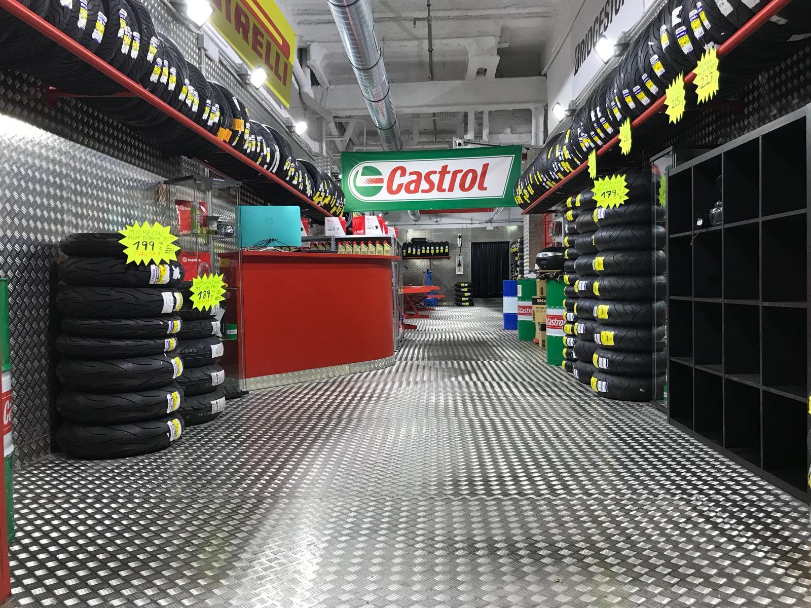Neumáticos para motos en Barcelona ❘ Fast Bikes e50bbb77adc
